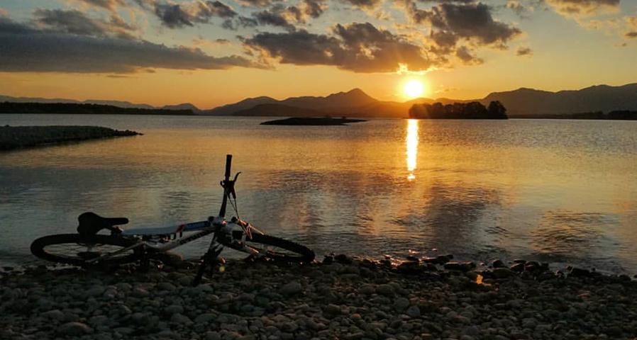 Liptov akcie udalosti lipovzije liptov zije liptovska mara bicykel zapad slnka fotka tyzdna